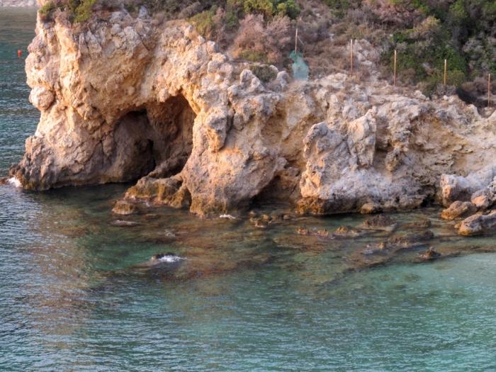 Lângă plaja Petros