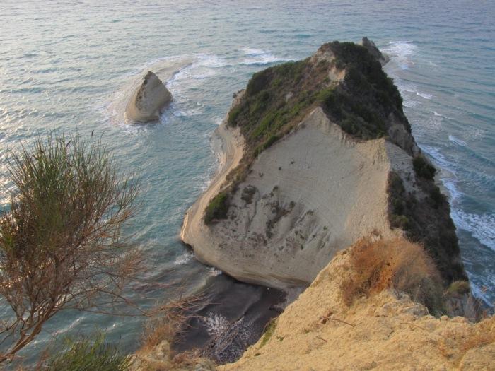 Stâncile de la Cape Drastis