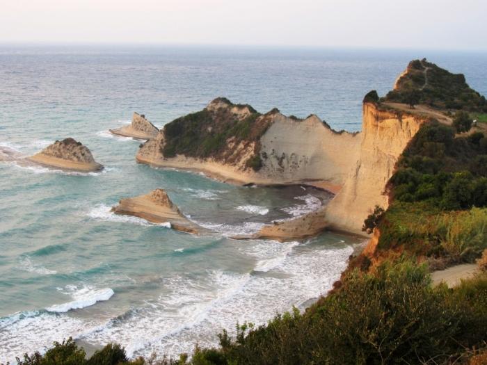 Vedere de la Cape Drastis