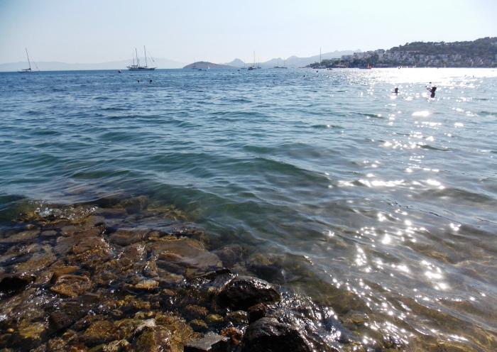 Zonă de pietre - plaja din Bitez